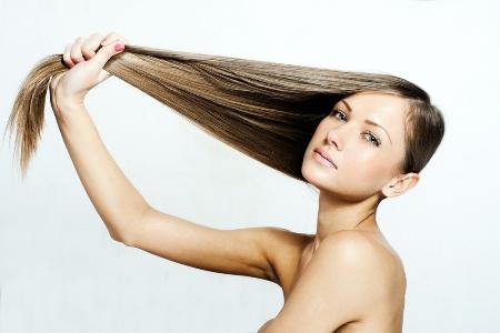 обладательница крепких волос